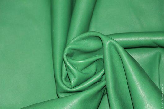 Шитье ручной работы. Ярмарка Мастеров - ручная работа. Купить кожа КРС зеленая. Handmade. Зеленый, кожа, кожа натуральная