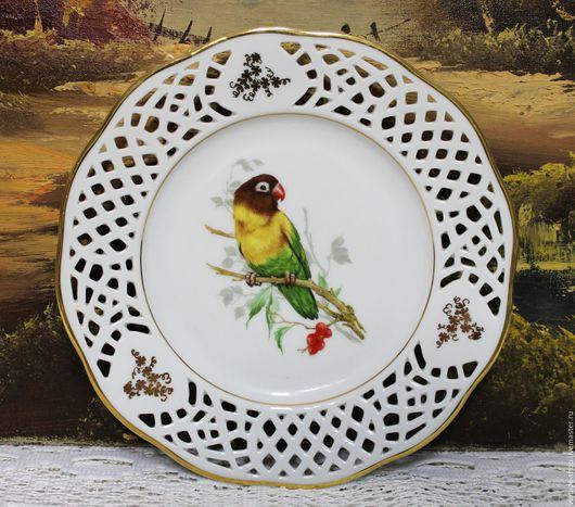 """Винтажная посуда. Ярмарка Мастеров - ручная работа. Купить Фарфоровая тарелка """"Попугай"""", Германия """"Burg Lindau"""". Handmade. Белый, ретро"""