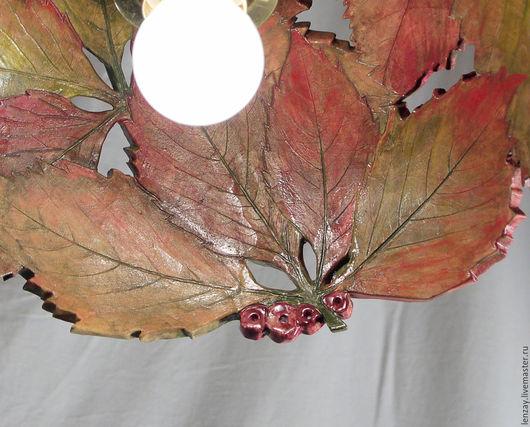 Подвесной светильник `Дикий виноград осенью`. Ажурная керамика и керамическая флористика Елены Зайченко