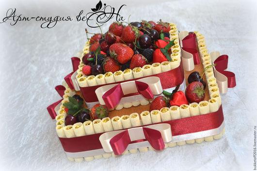 Букеты ручной работы. Ярмарка Мастеров - ручная работа. Купить Торт из конфет с ягодами. Handmade. Комбинированный, сладкий подарок, мармелад