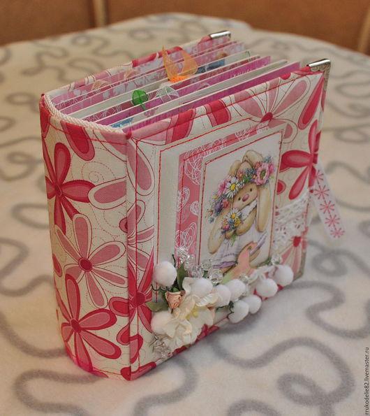 Подарки для новорожденных, ручной работы. Ярмарка Мастеров - ручная работа. Купить Альбом для девочки. Handmade. Скрапбукинг, ткань хлопок
