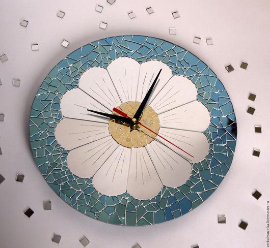 """Часы для дома ручной работы. Ярмарка Мастеров - ручная работа. Купить Часы настенные """"Ромашка"""". Мазаика из зеркального стекла.. Handmade."""