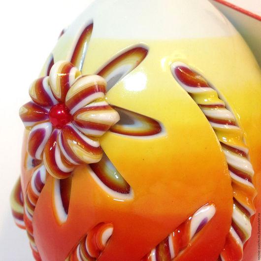 Подарки на Пасху ручной работы. Ярмарка Мастеров - ручная работа. Купить Пасхальная резная свеча Пасхальное яйцо (Ноготки). Handmade.