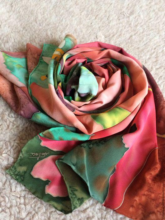 """Шали, палантины ручной работы. Ярмарка Мастеров - ручная работа. Купить шарф-палантин """"Гибискус"""" батик. Handmade. Батик, коралловый"""
