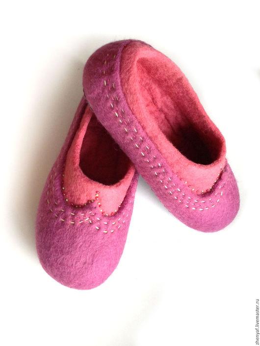 Обувь ручной работы. Ярмарка Мастеров - ручная работа. Купить валяные тапочки. Handmade. Тапки, валяные тапки, тапочки, шерсть