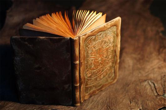 Персональные подарки ручной работы. Ярмарка Мастеров - ручная работа. Купить Настоящая Книга в кожаном переплете. Handmade. Коричневый