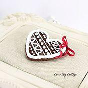 """Украшения ручной работы. Ярмарка Мастеров - ручная работа Брошка """"Новогоднее шоколадное печенье"""". Handmade."""