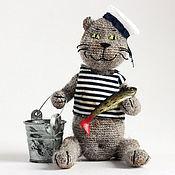 Куклы и игрушки ручной работы. Ярмарка Мастеров - ручная работа Вязаная игрушка кот. Кот-рыбак.. Handmade.