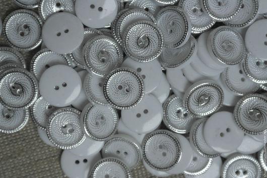 Шитье ручной работы. Ярмарка Мастеров - ручная работа. Купить пуговицы нарядные 20 мм 2 прокола акрил. Handmade.