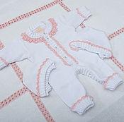 Работы для детей, ручной работы. Ярмарка Мастеров - ручная работа Комбинезон для новорожденных с шапочкой Белоснежный. Handmade.