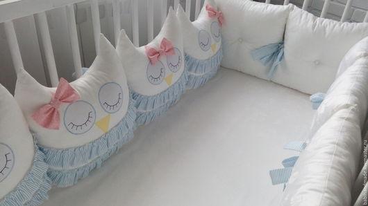 """Для новорожденных, ручной работы. Ярмарка Мастеров - ручная работа. Купить Бортики-подушки """"Белые совушки"""". Handmade. Белый"""