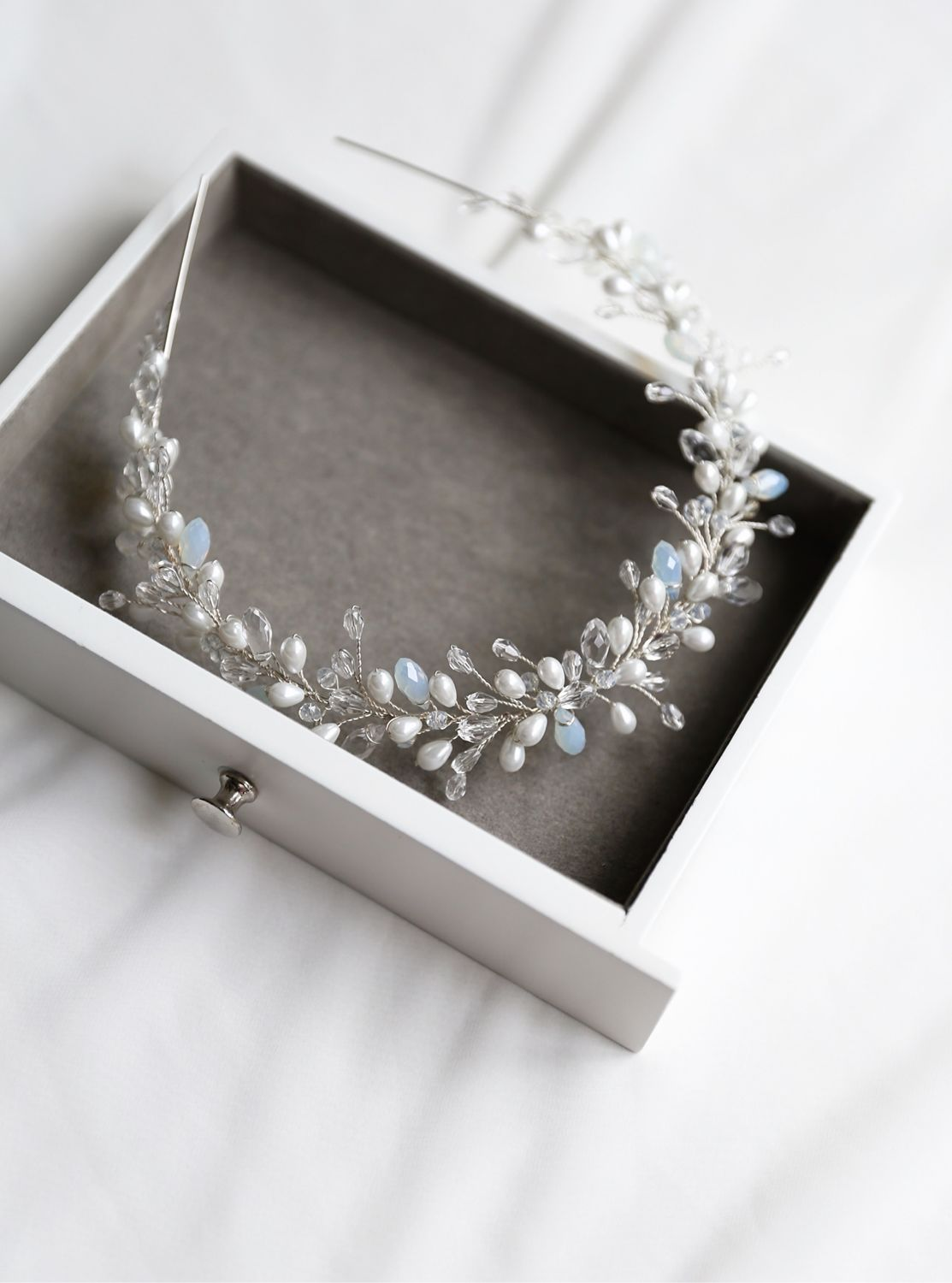 Bridal wedding crystal pearl headband to the hairstyle of the bride, Hair Decoration, St. Petersburg,  Фото №1