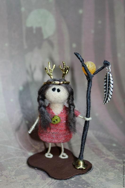 Человечки ручной работы. Ярмарка Мастеров - ручная работа. Купить Шаманка Кукла из шерсти. Handmade. Бордовый, кукла ручной работы