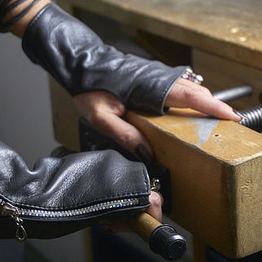 Аксессуары ручной работы. Ярмарка Мастеров - ручная работа Серые кожаные митенки на молнии, женские или мужские. Handmade.