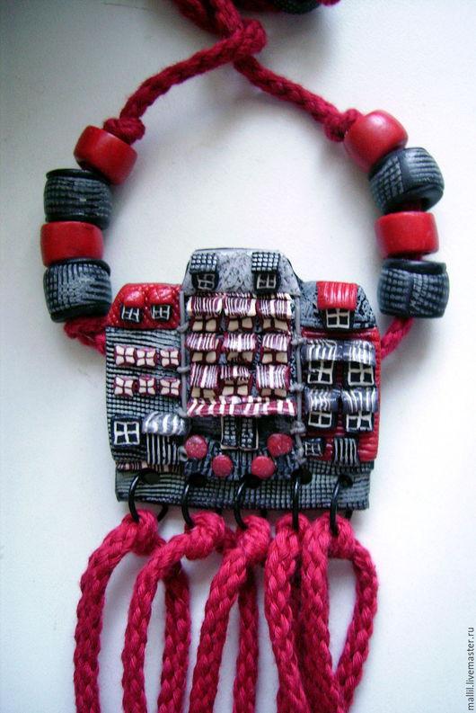 """Кулоны, подвески ручной работы. Ярмарка Мастеров - ручная работа. Купить """"Красные дорожки 2""""  подвеска из полимерной глины. Handmade."""