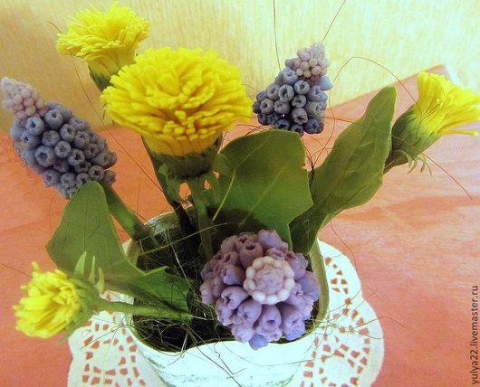 """Цветы ручной работы. Ярмарка Мастеров - ручная работа. Купить Композиция"""" Одуванчики и мускари"""". Handmade. Цветы, цветы из полимерной глины"""