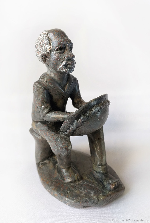 Статуэтка из камня. Африканец играющий на мбире, Статуэтки, Воронеж,  Фото №1