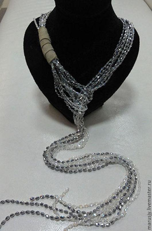 Колье, бусы ручной работы. Ярмарка Мастеров - ручная работа. Купить Ожерелье из хрусталя и замши. Handmade. Серебряный, креативное украшение