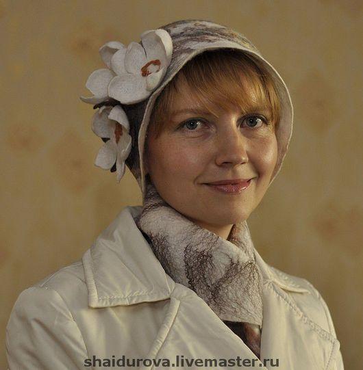"""Шляпы ручной работы. Ярмарка Мастеров - ручная работа. Купить Комплект из шляпки и шарфа  """"Нимфея"""". Handmade. Шляпка валяная"""