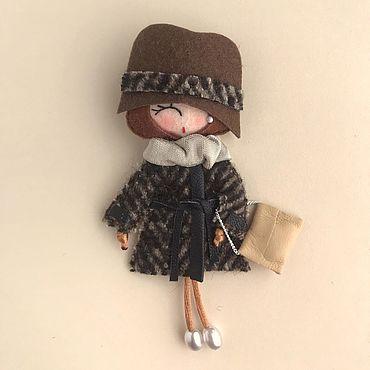 Украшения ручной работы. Ярмарка Мастеров - ручная работа Брошь-куколка из фетра. Handmade.