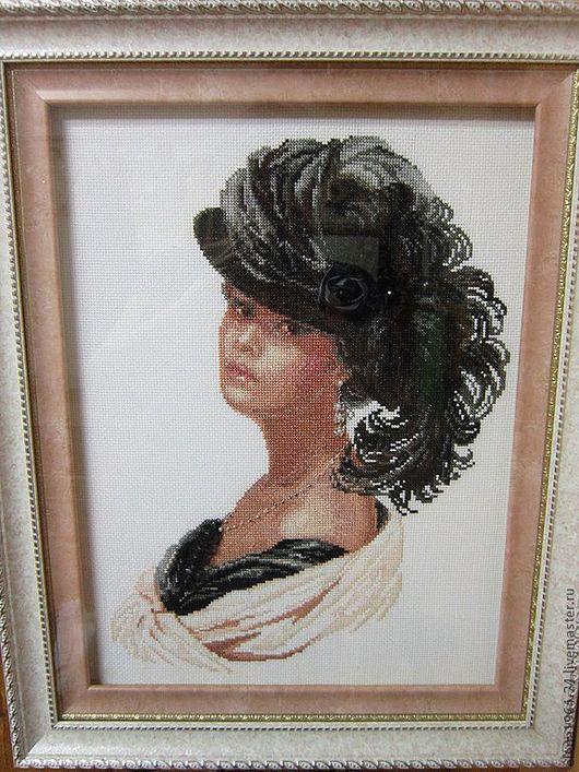 В реальности картина великолепна..Прекрасное женское лицо украсит и женскую спальню и гостиную.В дуэте смотрится еще лучше с картиной Сиреневый вечер