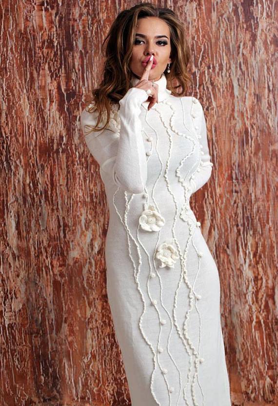 659323336a7925c Платья ручной работы. Ярмарка Мастеров - ручная работа. Купить Вязаное белое  платье с цветочным ...