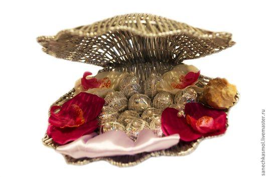 Кулинарные сувениры ручной работы. Ярмарка Мастеров - ручная работа. Купить Ракушка с конфетами. Handmade. Серебряный, орхидея из ткани, ракушка