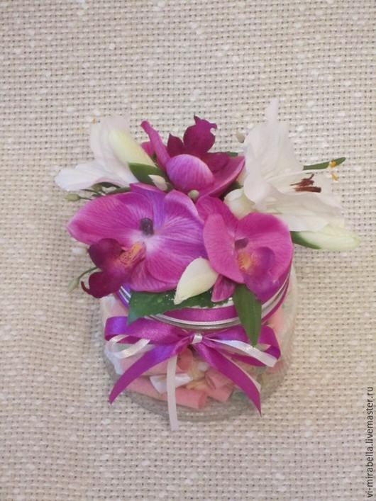 """Персональные подарки ручной работы. Ярмарка Мастеров - ручная работа. Купить Баночка пожеланий """"Орхидеи и лилии"""" С Днем Рождения. Handmade."""