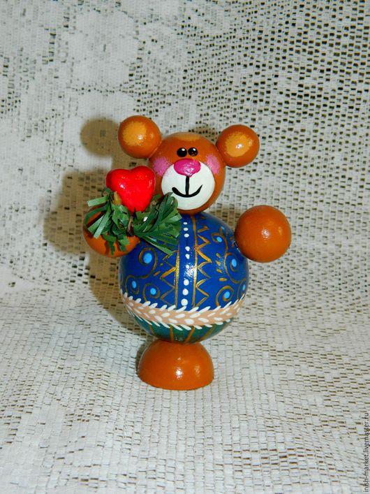 """Человечки ручной работы. Ярмарка Мастеров - ручная работа. Купить Мишка новогодний деревянный """"влюбленный мишка"""". Handmade. Комбинированный, подарок"""