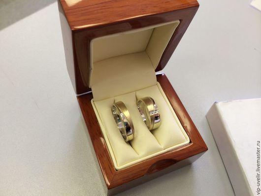 Кольца ручной работы. Ярмарка Мастеров - ручная работа. Купить Обручальные кольца из золота 585 пробы с бриллиантами. Handmade. Золотой