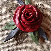 """Украшения ручной работы. Ярмарка Мастеров - ручная работа Брошь """"Вишнёвая роза"""" из кожи с бронзовыми листьями. Handmade."""