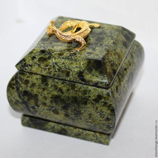 Персональные подарки ручной работы. Ярмарка Мастеров - ручная работа. Купить Шкатулка Змеевик. Handmade. Тёмно-зелёный, самоцветы урала