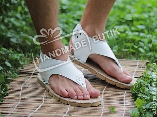 Мужские сандалии из белой гладкой кожи. Возможны любые размеры на заказ.