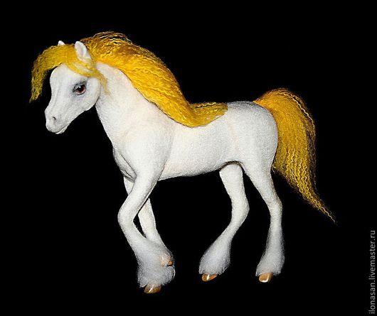 Игрушки животные, ручной работы. Ярмарка Мастеров - ручная работа. Купить Злата (сказочная лошадь из шерсти). Handmade. Сухое валяние