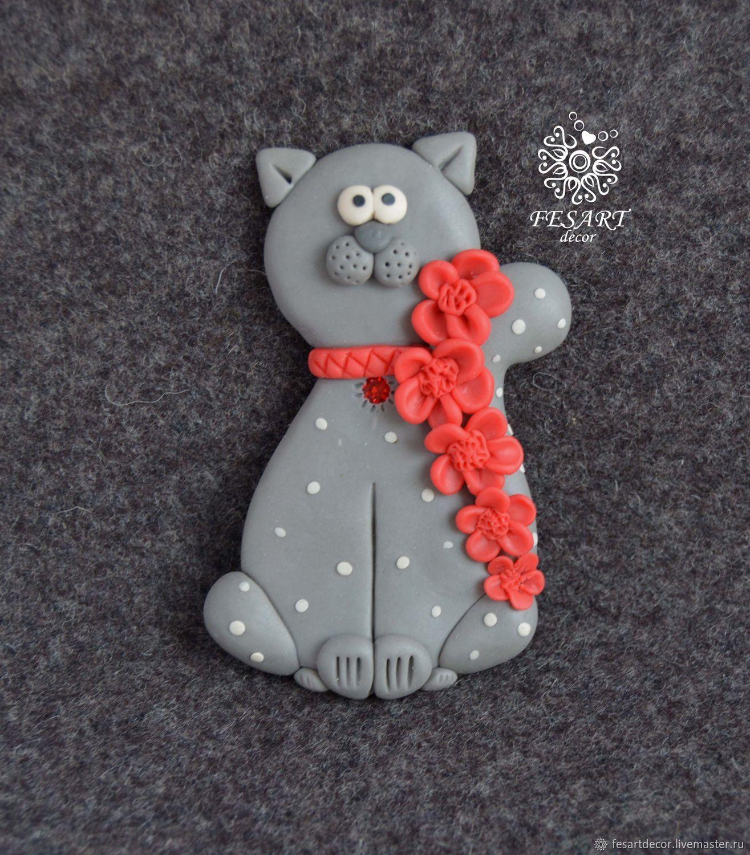 Брошь Котик с красными цветами – купить на Ярмарке ...