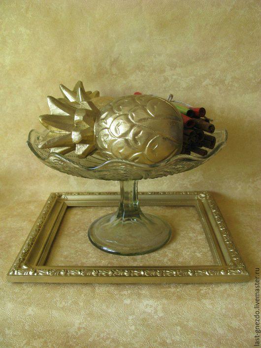 Винтажная ваза `Праздничная` СССР,  стекло, высота- 14 см, диаметр-26 см. Цена 1300 руб.