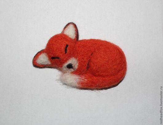 """Броши ручной работы. Ярмарка Мастеров - ручная работа. Купить Брошь лисичка """"Сладкий сон"""". Handmade. Рыжий, шерсть, лис"""