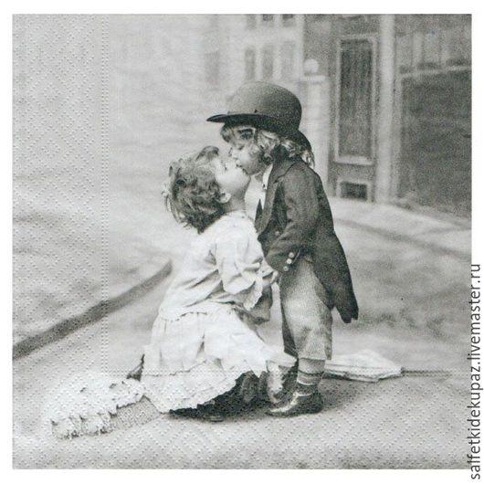 Декупаж и роспись ручной работы. Ярмарка Мастеров - ручная работа. Купить Детский поцелуй. Салфетка. Handmade. Чёрно-белый