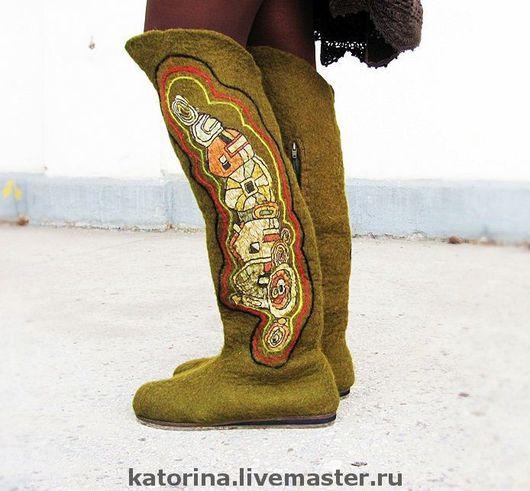 """Обувь ручной работы. Ярмарка Мастеров - ручная работа. Купить Ботфорты валенки  из войлока """"Домики"""" хаки. Handmade. Валенки"""