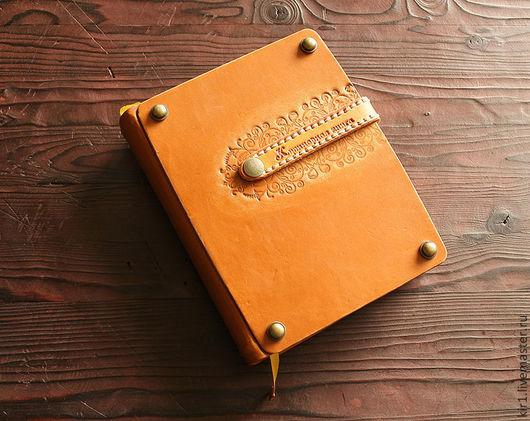 Кулинарные книги ручной работы. Ярмарка Мастеров - ручная работа. Купить Кулинарная книга с кожаной ложкой. Handmade. Коричневый