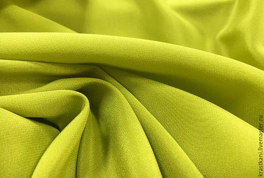 Шитье ручной работы. Ярмарка Мастеров - ручная работа. Купить Крепдешин (арт. 7208). Handmade. Ярко-зелёный, креповый шелк