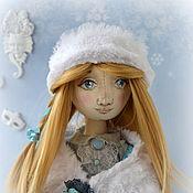 Куклы и игрушки ручной работы. Ярмарка Мастеров - ручная работа Интерьерная текстильная кукла девочка Снежинка. Handmade.
