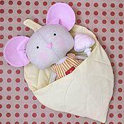Мягкие игрушки ручной работы. Ярмарка Мастеров - ручная работа Мышка с постелькой. Handmade.