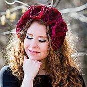 Украшения ручной работы. Ярмарка Мастеров - ручная работа Ободок на голову с большими бордовыми розами и кристаллами. Handmade.