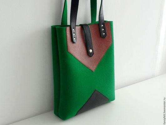 Женские сумки ручной работы. Ярмарка Мастеров - ручная работа. Купить Зеленая сумка tote из фетра и натуральной кожи. Handmade.