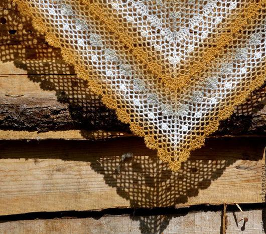 Шаль из прибалтийской пряжи `Кауни`. Чистая шерсть, без примесей синтетики, шаль  теплая и экологичная.