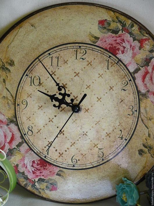 """Часы для дома ручной работы. Ярмарка Мастеров - ручная работа. Купить Настенные часы """"Винтаж"""". Handmade. Оливковый, часовой механизм"""