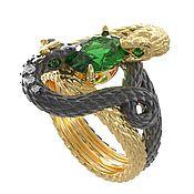 """Украшения handmade. Livemaster - original item Золотое кольцо """"Королевские змеи"""" с  изумрудом. Handmade."""