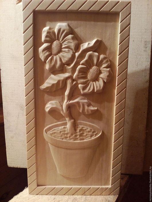 Статуэтки ручной работы. Ярмарка Мастеров - ручная работа. Купить Декоративное резное панно из дерева. Handmade. Сувенир, сувениры и подарки