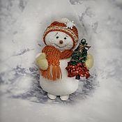 Куклы и игрушки handmade. Livemaster - original item Snowman with Christmas tree. Handmade.